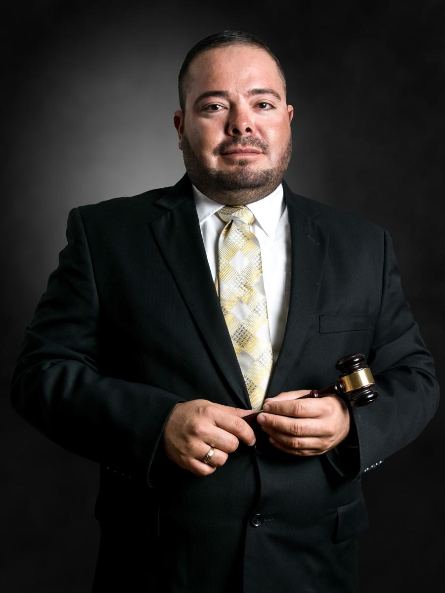 Licenciado en Derecho Victor Vicente Borunda Nevarez